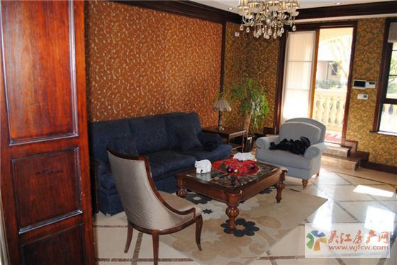东太湖1号法式客厅