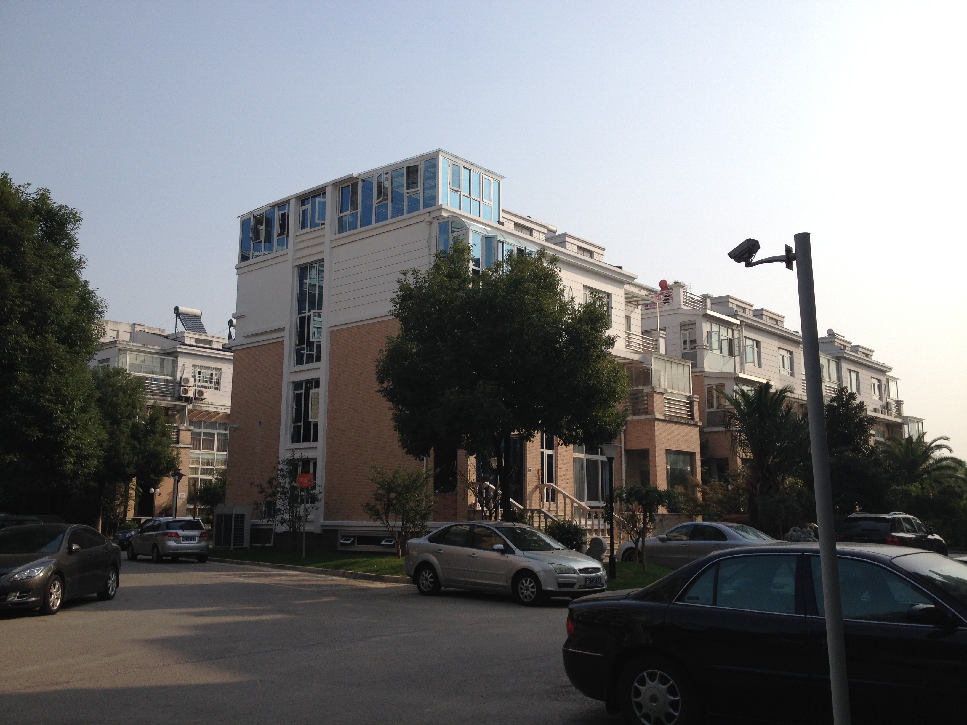 138龙庭花园1-2楼【客厅挑空 汽车库】