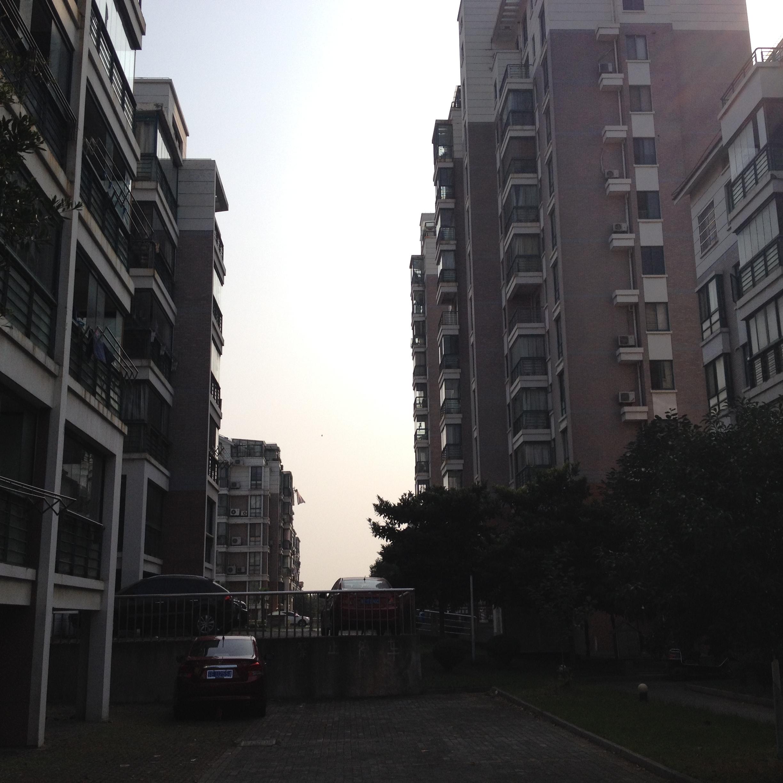G12天和人家2.5楼 115平米 精装满五年 带汽车库