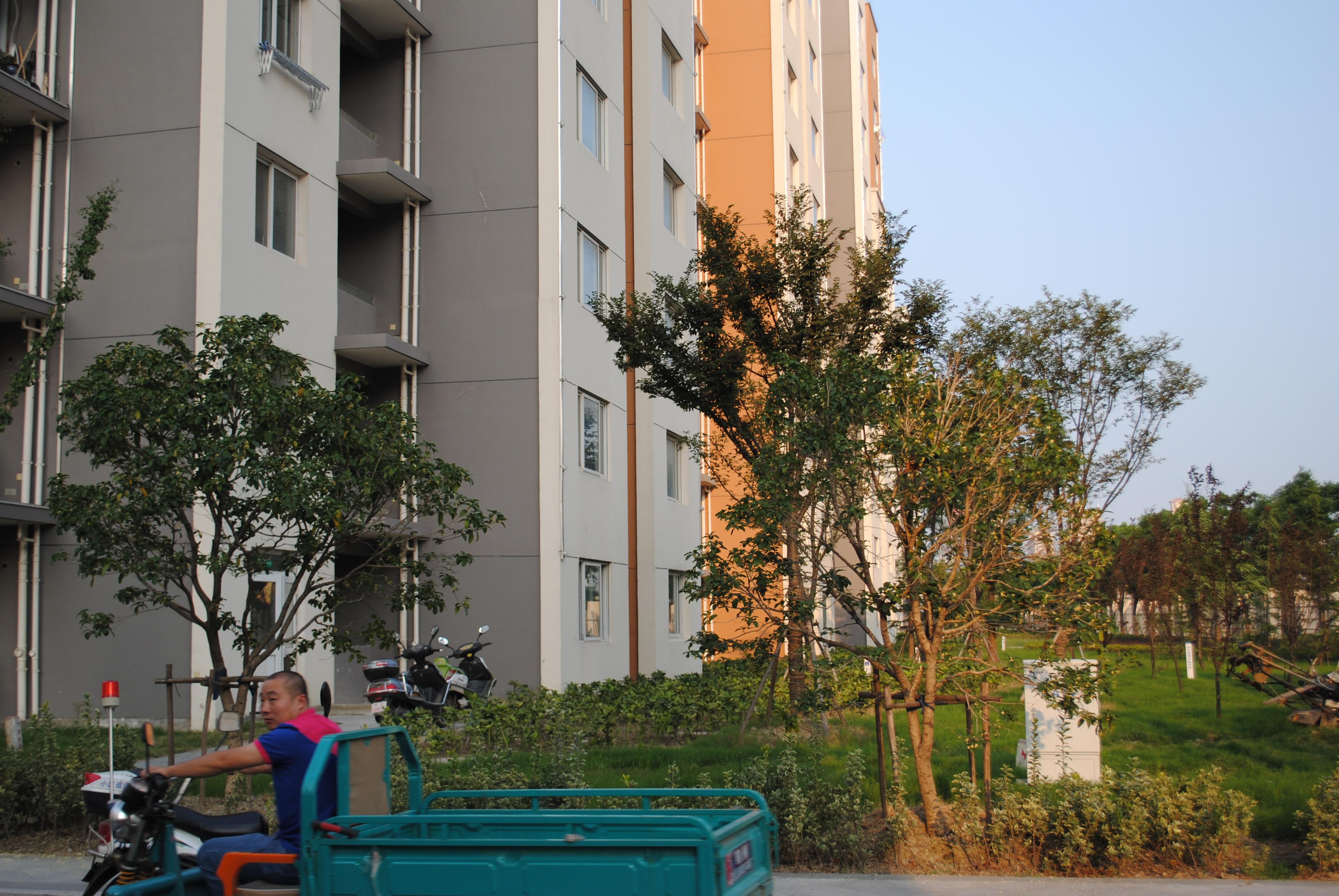 %湖滨华城 富贵苑 中间楼层85平米仅售105万