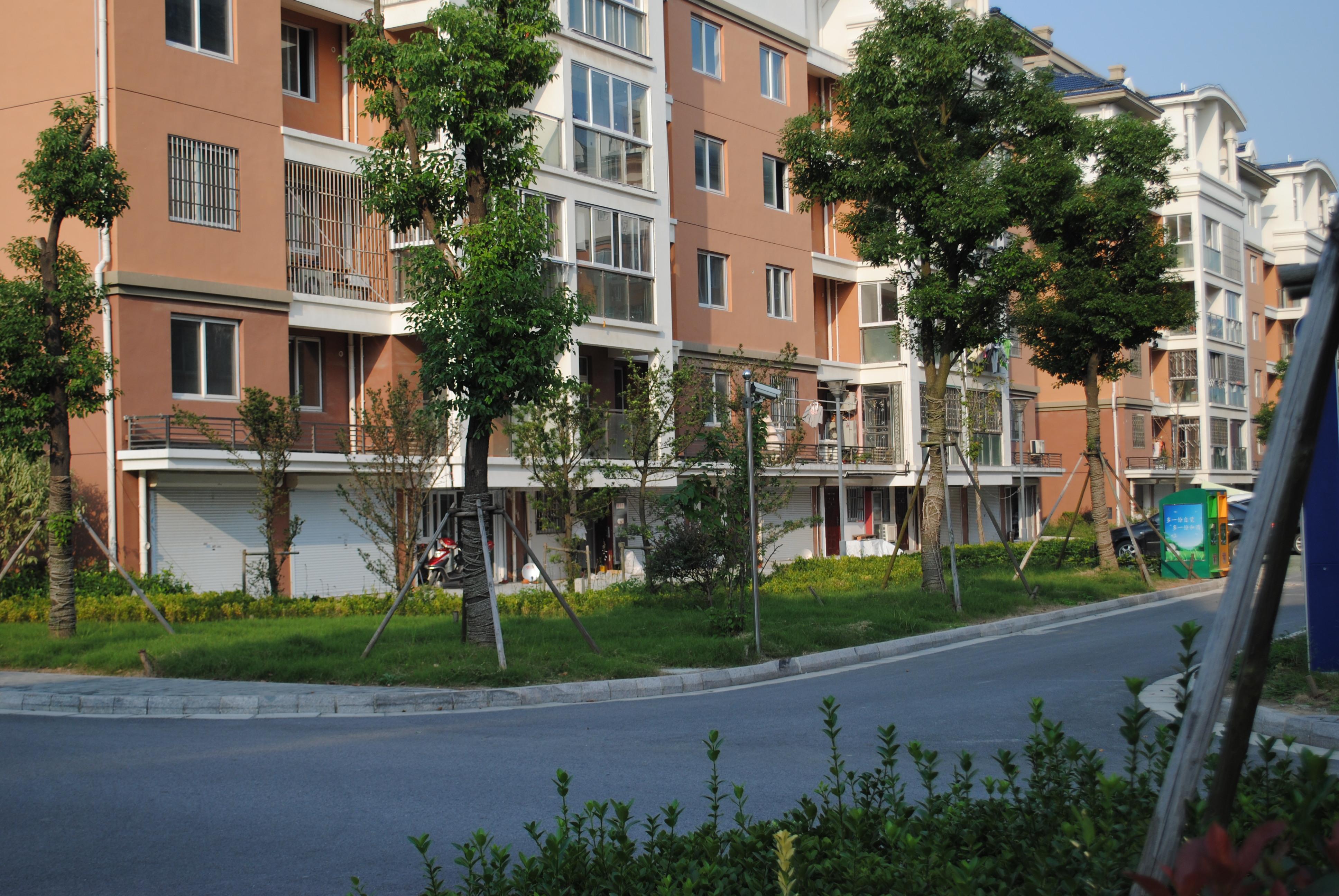 Y龙祥花园 3室2厅2卫 130平方米 170万出售