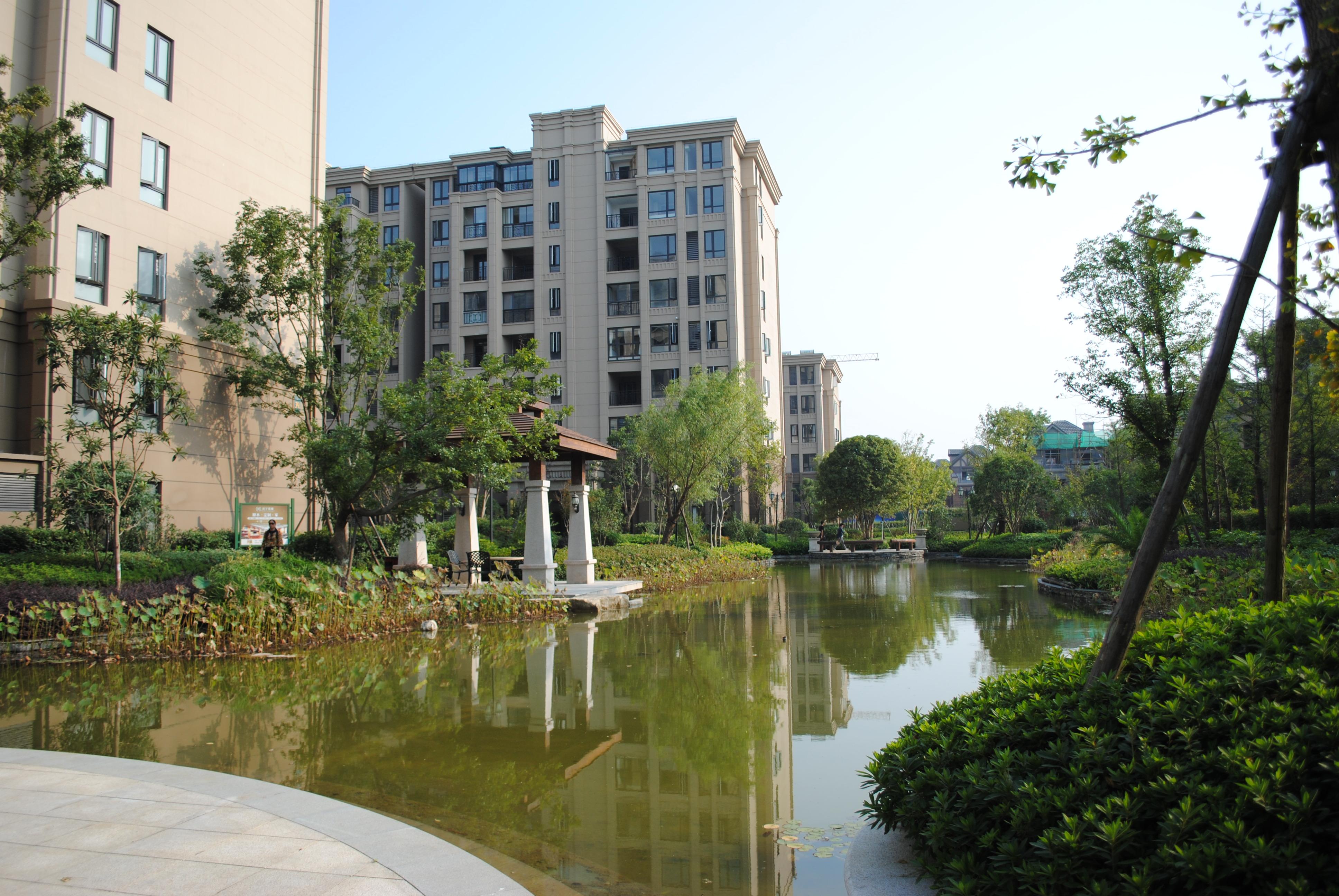 金科廊桥水岸 4室2厅2卫 166平方米 265万出售