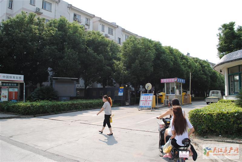 梅景苑 100平 黄金楼层 158万 双实验学区