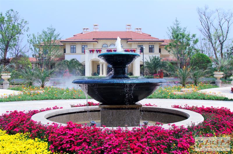 蓝光天悦城 4室2厅2卫 124平方米 248万出售