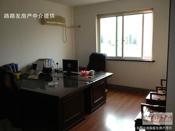 ★恒大建材市场2楼107㎡毛坯(汽车站北)