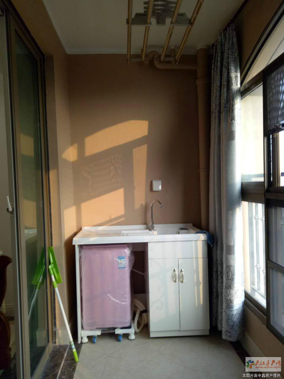 !中南世纪城 4室2厅2卫 135平方米 220万出售