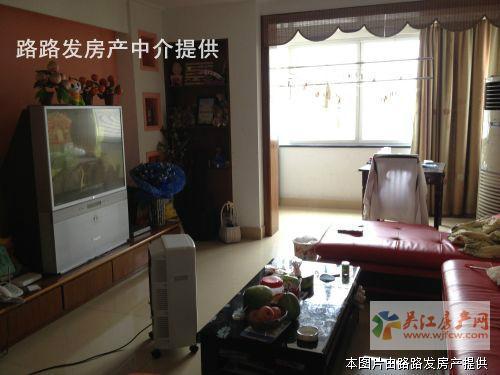★东吴证券边精装3室1卫(人民医院边)