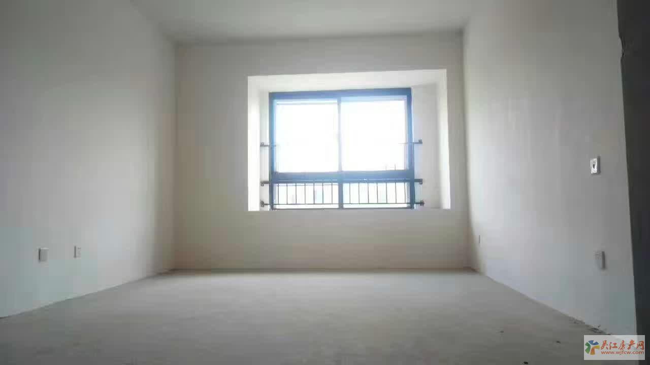 上领大厦 写字楼  毛坯  190平方米 136万出售