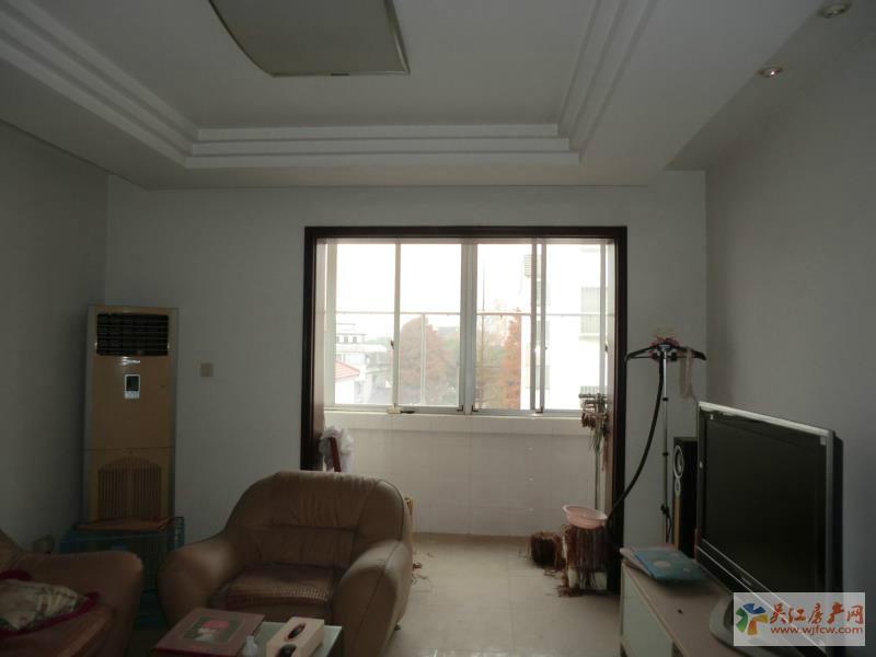 Y流虹新村 3室2厅2卫 125平方米 160万出售