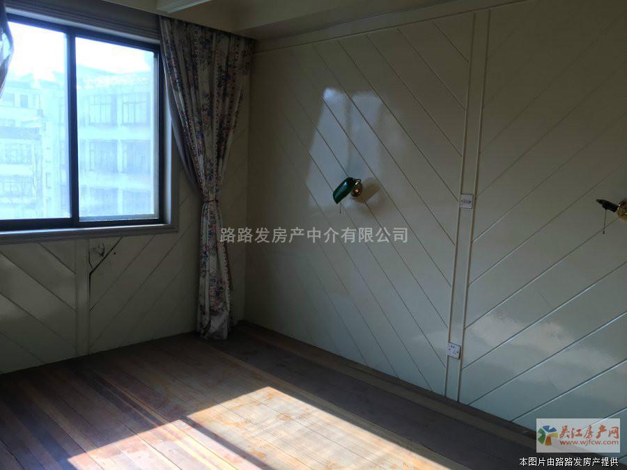 ★迎松小区3楼90平简装三室一卫(油车小区,北门街小区边)