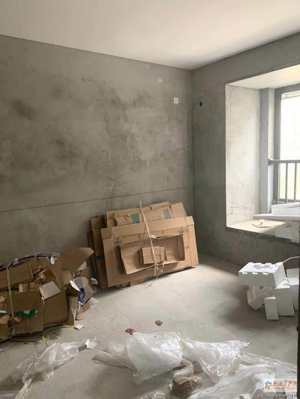 G中交璟庭5楼毛坯3室2卫120平290万